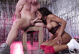 Ebony Mya Mays on her knees sucking the big lacklustre cock