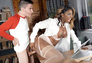 Jasmine Webb leaned on the desk and got fucked by Jordi