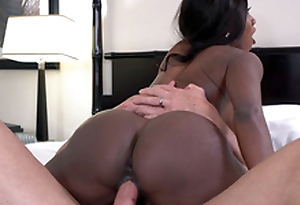 Big butt mature Diamond Jackson riding cock in a hotel room