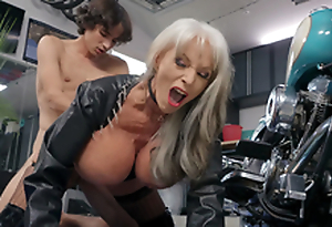 Sally D'Angelo gets pounded by young Ricky Spanish make inquiries to her Harley