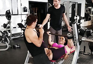 Boyfriend's weak XXX potential makes Rachel Starr cheat relating to the gym