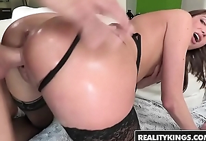 (Vivie Delmonico) wants a big dick together with a thumb in her ass - Reality Kings