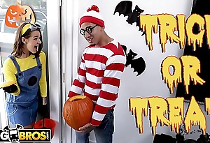 BANGBROS - Trick Or Treat, Smell Evelin Stone'_s Feet. Bruno Gives Their way Something Good To Eat.